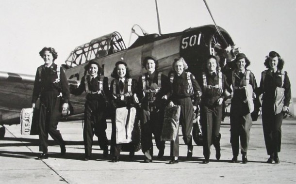 Undated photograph of WASP pilots