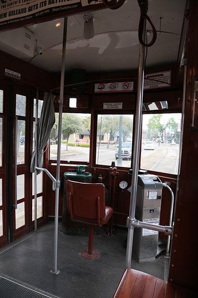 St. Charles Streetcar interior (commons.wikimedia.org)