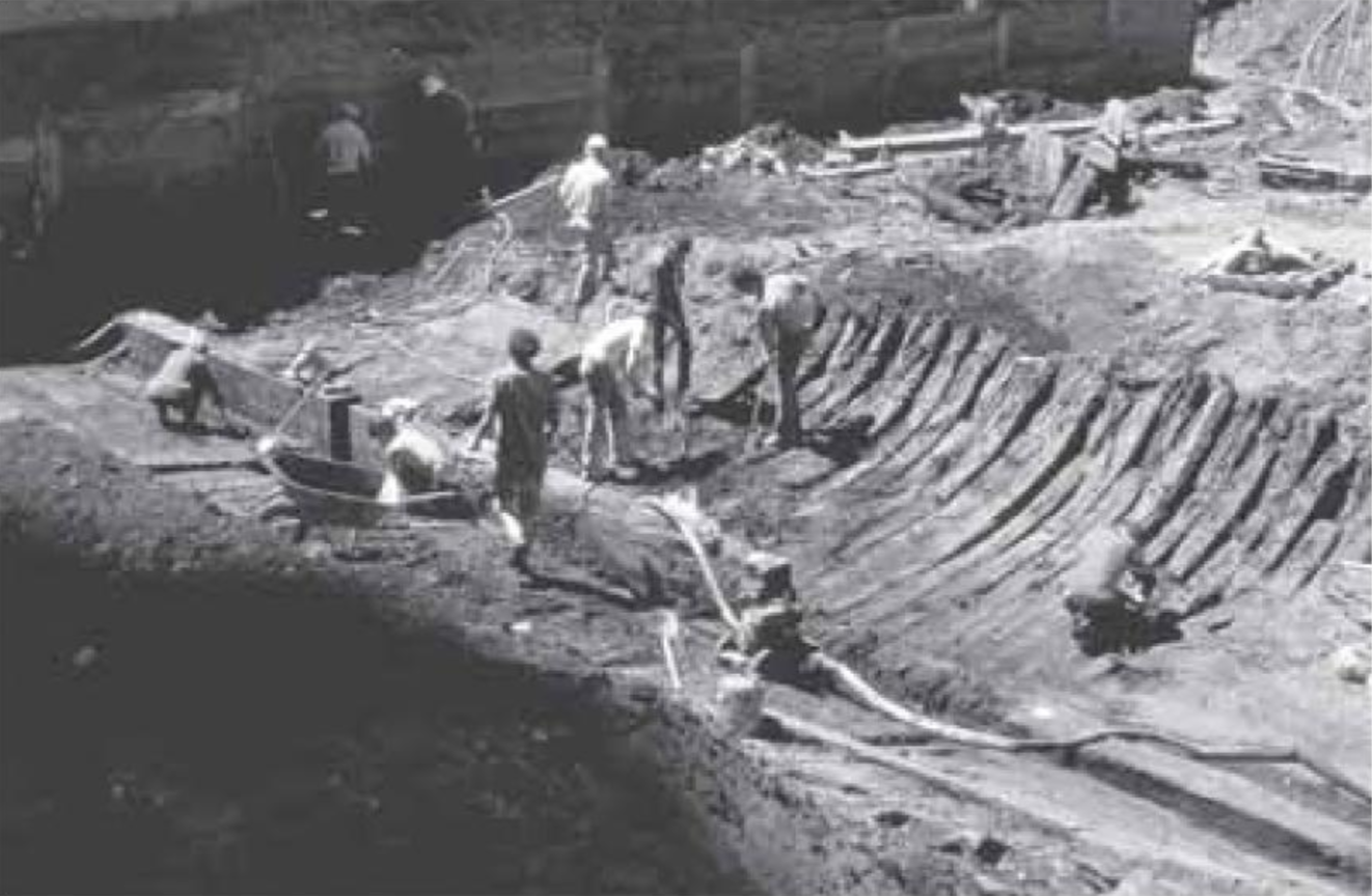 Archaeologists seen excavating the hull of the ship Niantic in May 1978