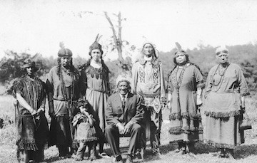 A group of Nipmuc Indians (image from Go Local Worcester)