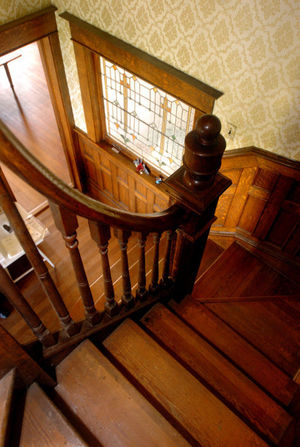 Winding staircase in the Sidna Allen House