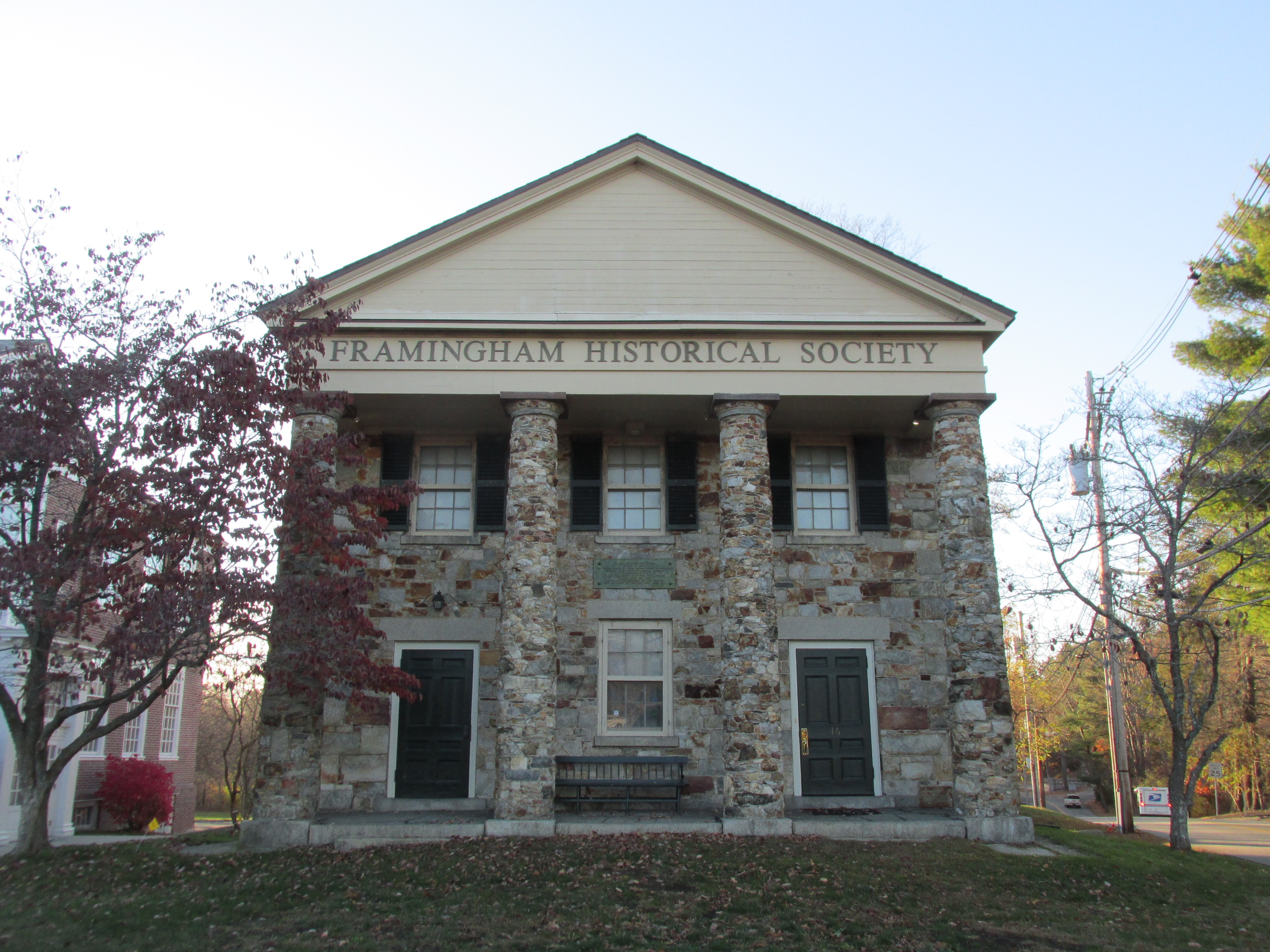 The Old Academy of the Framingham Historical Center (image from Wikimedia)