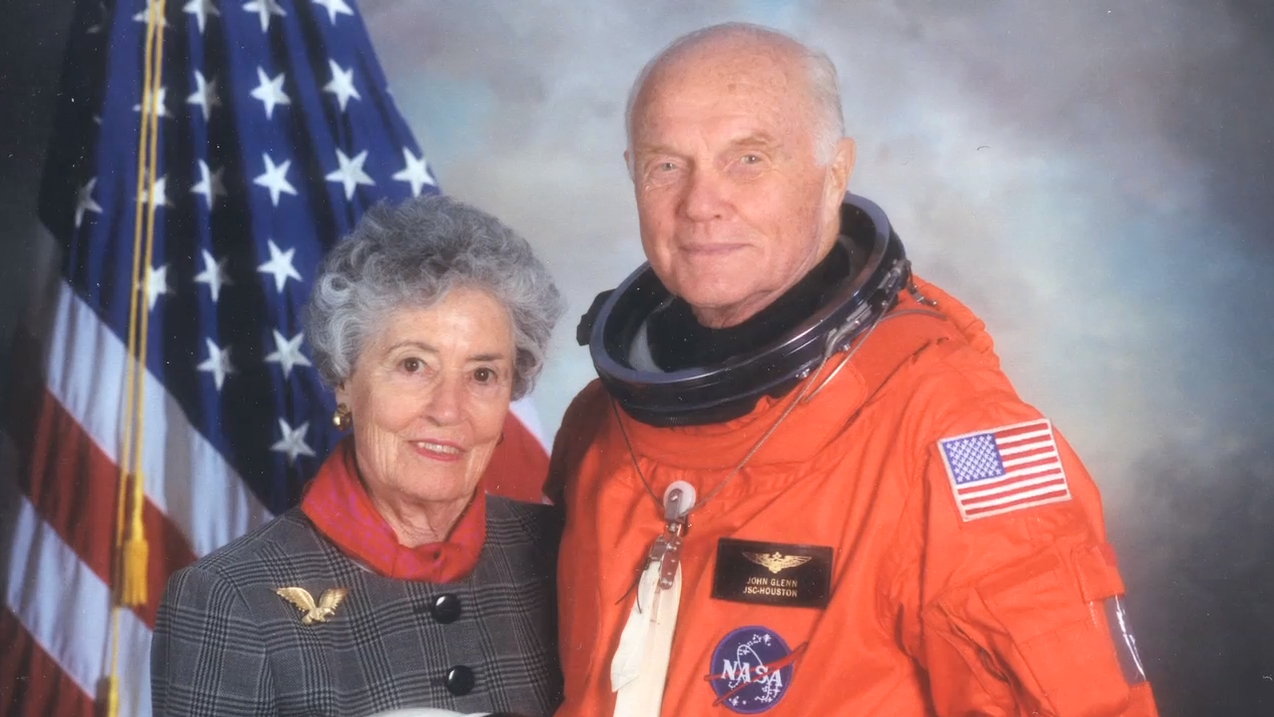 John and Annie Glenn with a background of the US Capitol