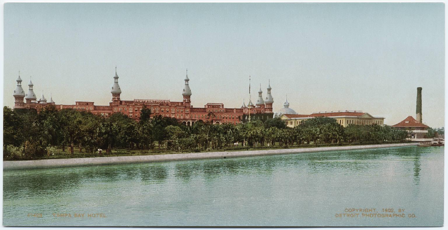 Hotel in 1900