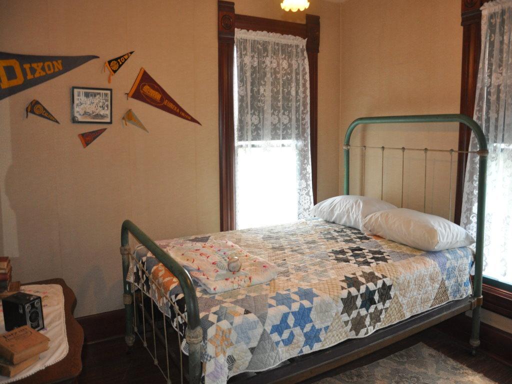 President Reagan's childhood bedroom