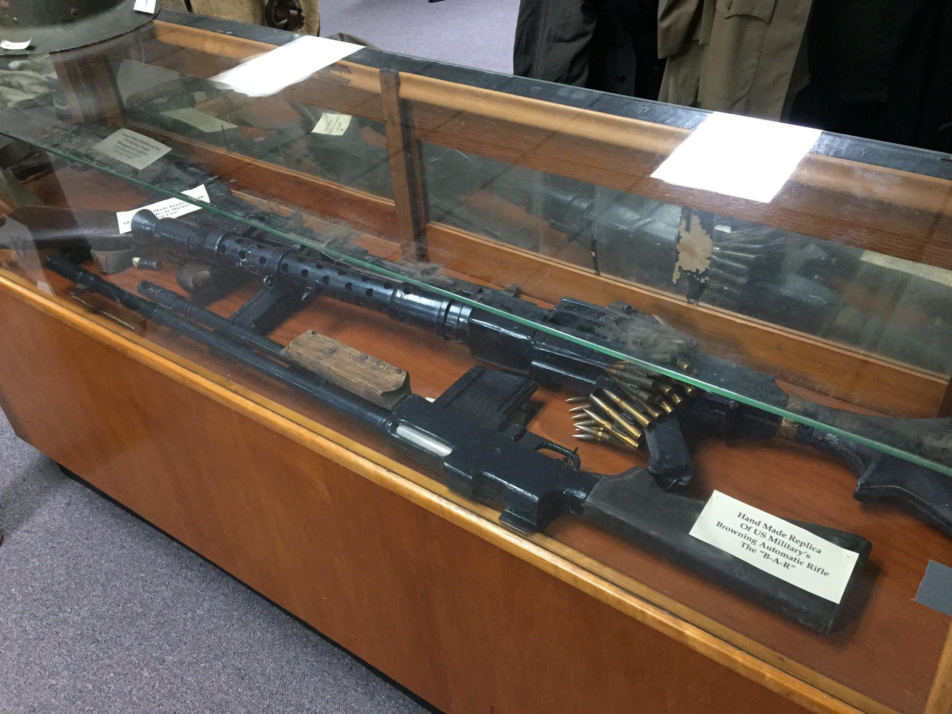 Assault rifles and machine guns