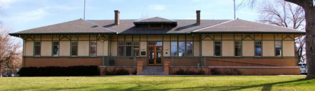 The historic Dos Cappell Bathhouse (image from the Denver Public Library)