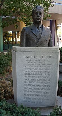 The bust of former Governor Carr.