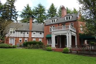 Modern view of the home (flashalertnewswire.net)