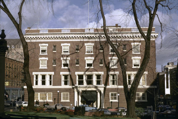 Arlington Club exterior view (http://visitahc.org/)