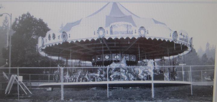 Mangels Carousel in Portland, 1914 (friendsofportlandswoodencarousels.com)