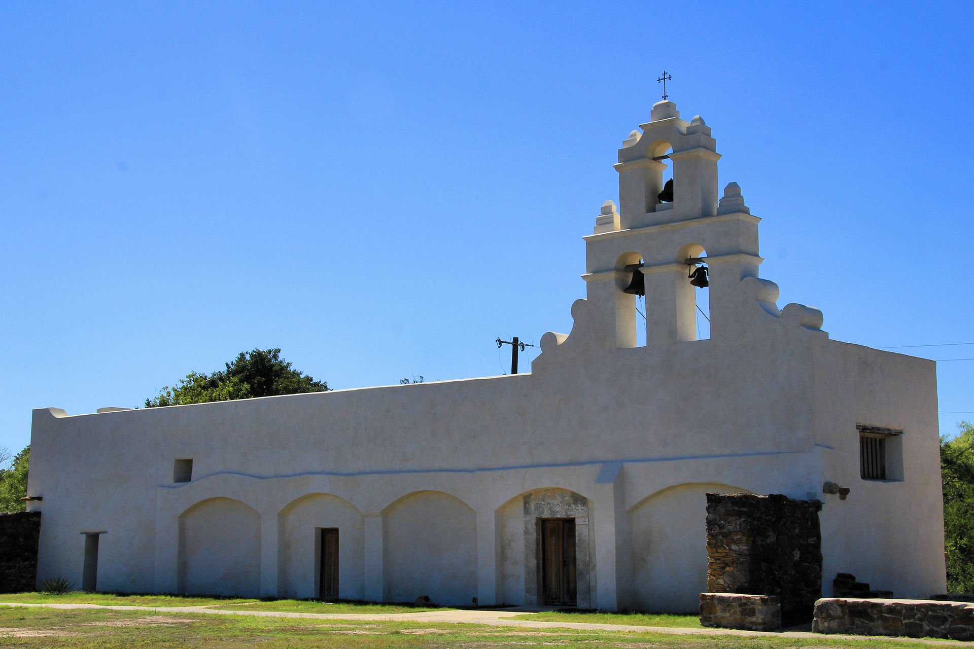 Mission San Juan Capistrano's church was not completed.