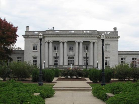 The Kentucky Governor's Mansion is both a private residence and public building. It is open for public tours.