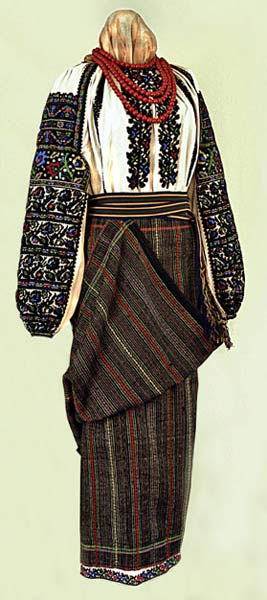 Traditional Ukrainian clothing from the early 1900s