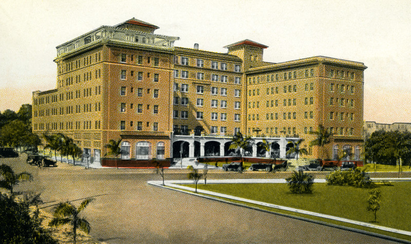 This postcard shows the first million-dollar hotel in St. Petersburg in the 1920s.