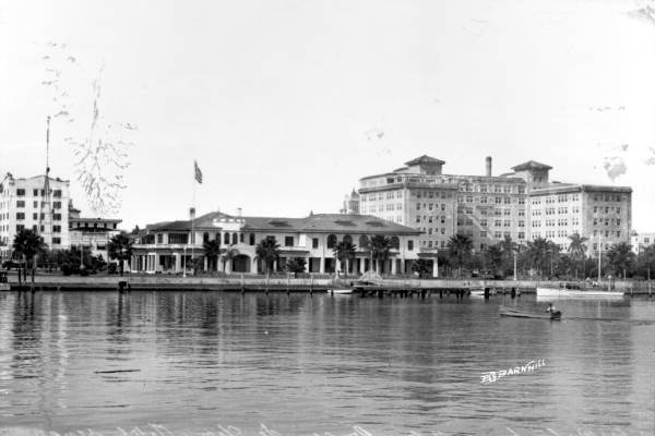 Soreno Hotel and adjacent Yacht Club in late 1920s, early 1930s