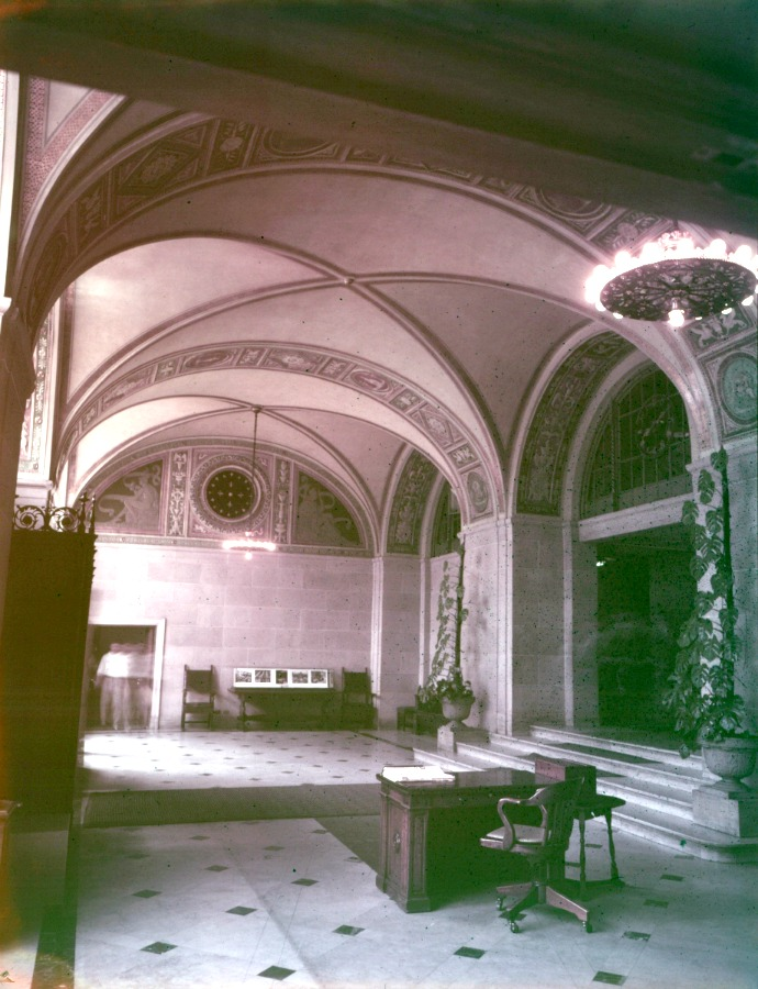 The lobby circa 1940 (image from Wayne State University)