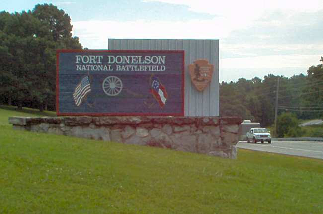 Welcome sign for Fort Donelson National Battlefield