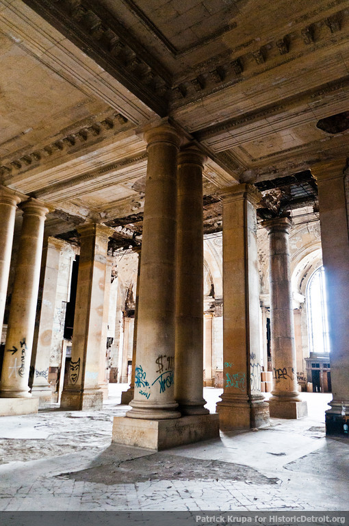 Columns in the abandoned station (image from Historic Detroit)