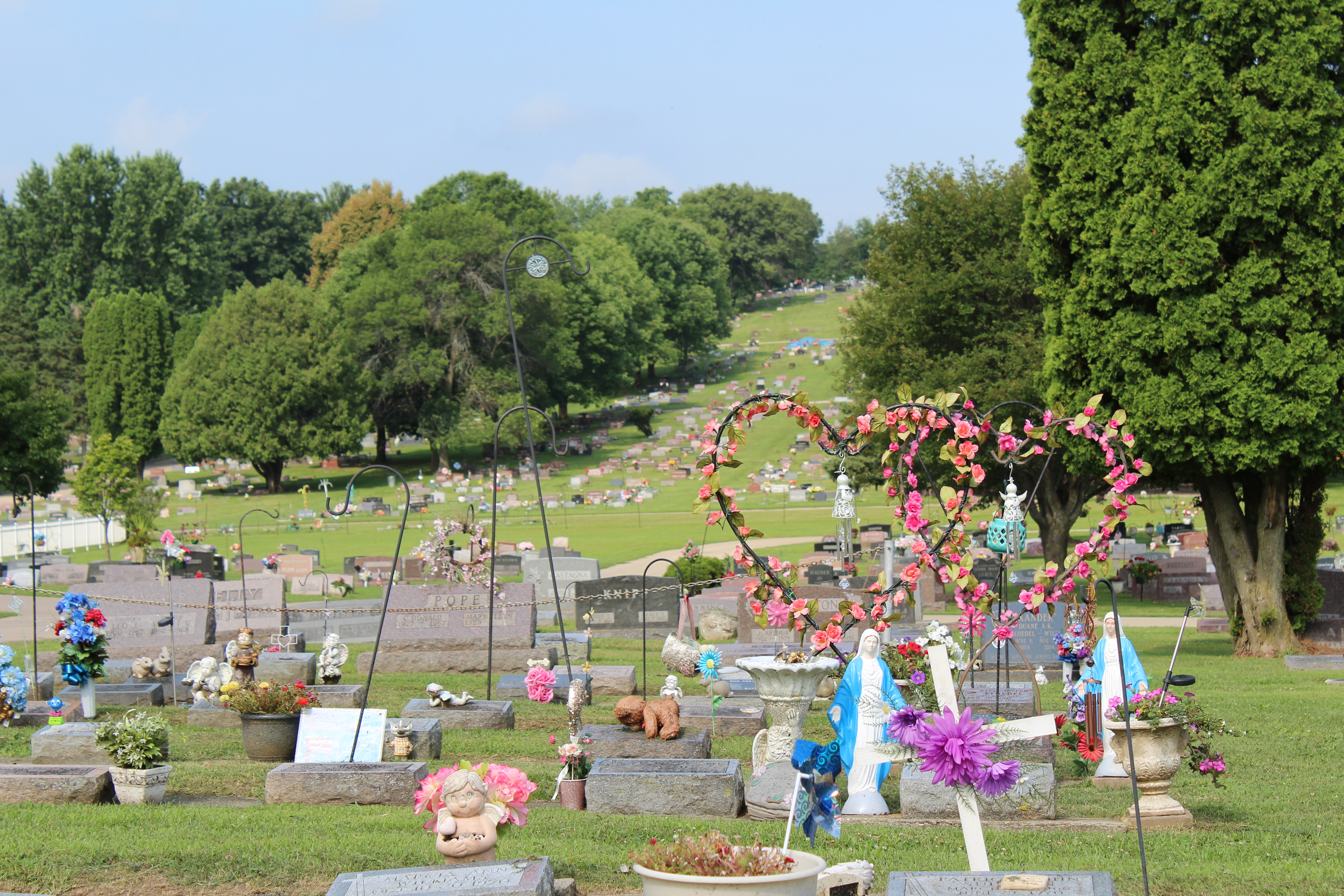 The cemetery is large and very hilly so guests are encouraged to wear sturdy, walking shoes!