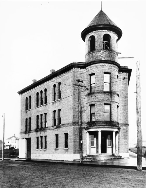 Ballard City Hall in 1902 (image from City of Seattle archives)