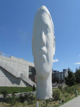 Echo, 2011, by Jaume Plensa (image from Trip Advisor)