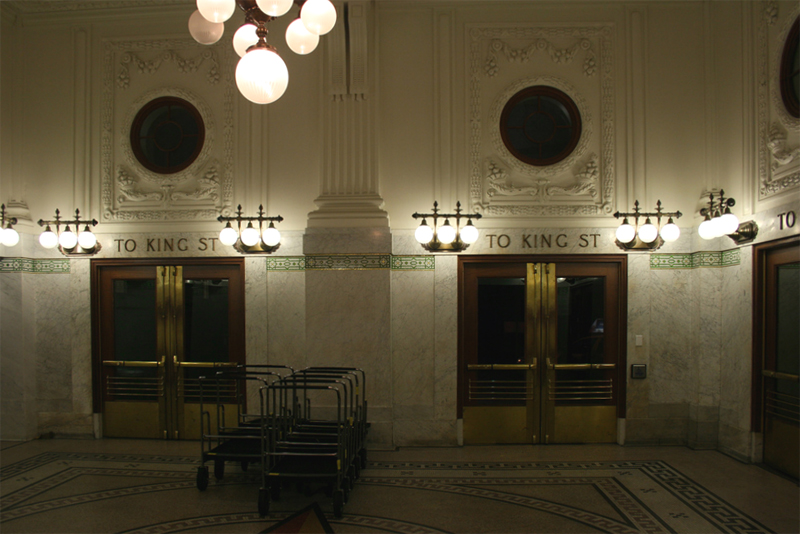 Restored station interior (image from Wikimedia Commons)