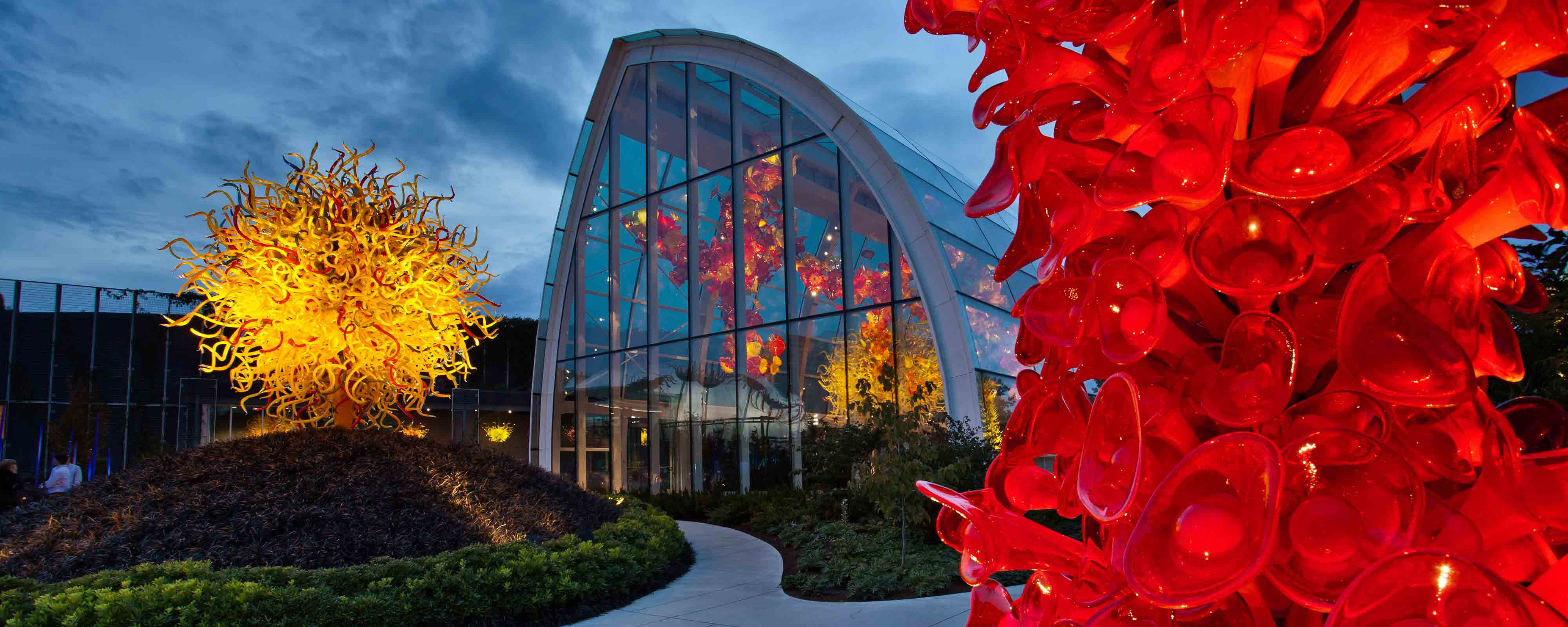 Glasshouse and gardens (image from Chihuly Garden and Glass)