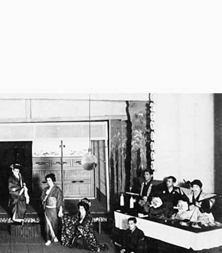 A 1915 performance (image from the University of Washington)