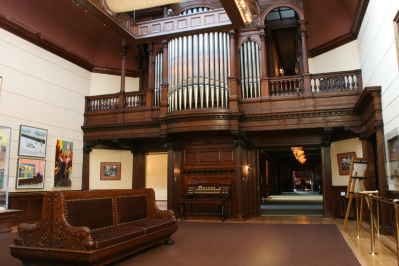 The organ. Photo: Minnesota Historical Society, via Wikimedia Commons.