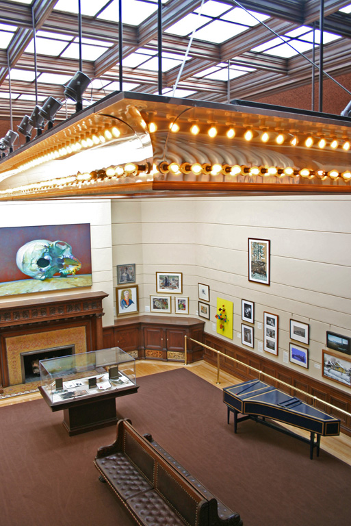 The art gallery with the skylight ceiling. Photo: Minnesota Historical Society, via Wikimedia Commons.