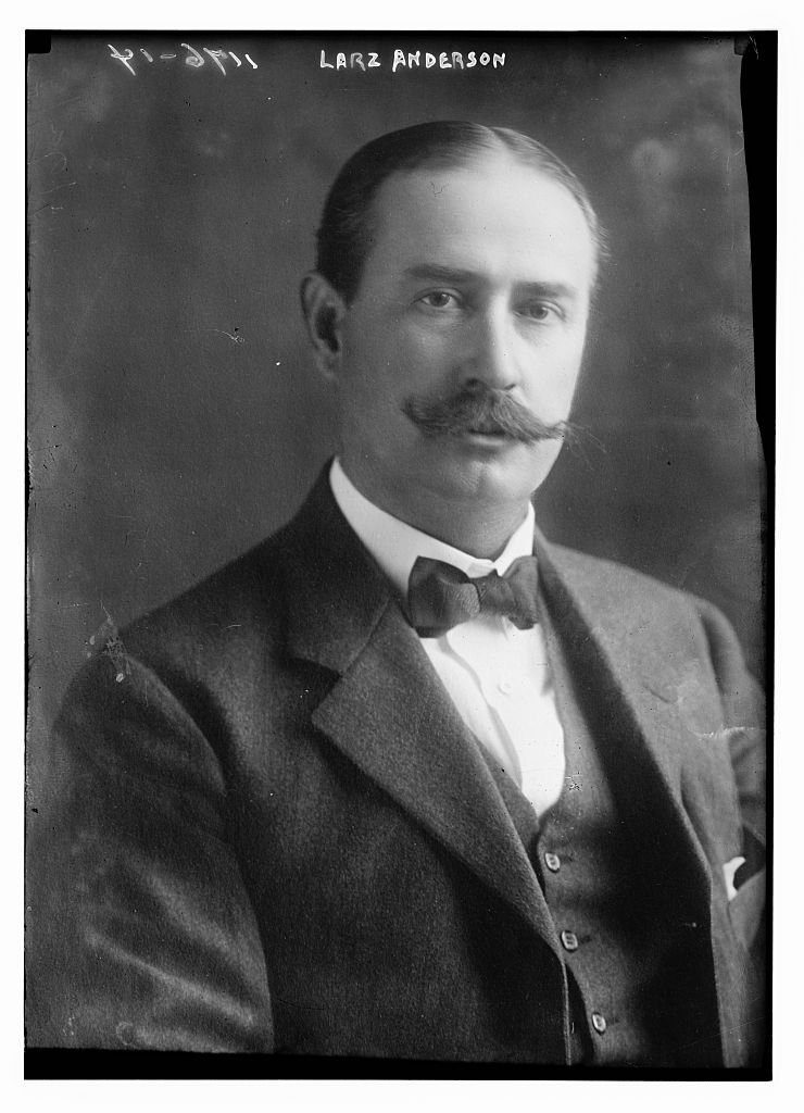 Larz Anderson was born into a wealthy family and spent his youth studying and traveling the world. Throughout his career, he was a diplomat to Britain,  Italy, Belgium, and Japan. Courtesy of the Library of Congress.