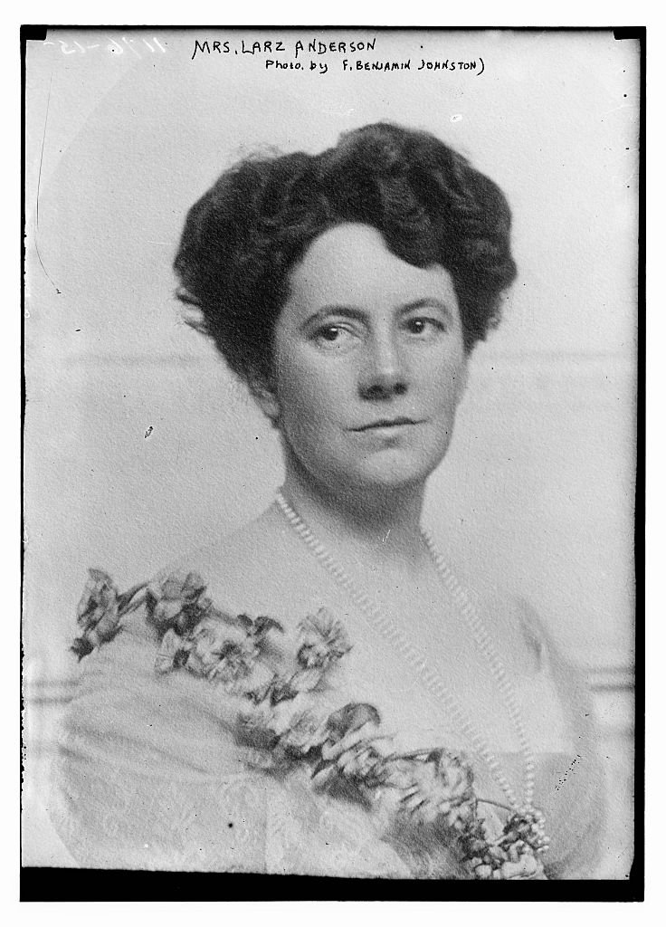 Isabel Weld Perkins Anderson descended from early American wealth and met Larz while enjoying her own European travels. She was an accomplished author of family histories, travel fiction, children's literature, and poetry. Library of Congress.