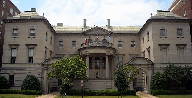 The Anderson House is located along Embassy Row, a historic upscale neighborhood where politically important people of the United States and foreign countries mingle and conduct business. Wikimedia Commons.
