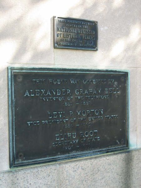 Plaque found on mansion commemorating the visits made by the three prominent men pictured above