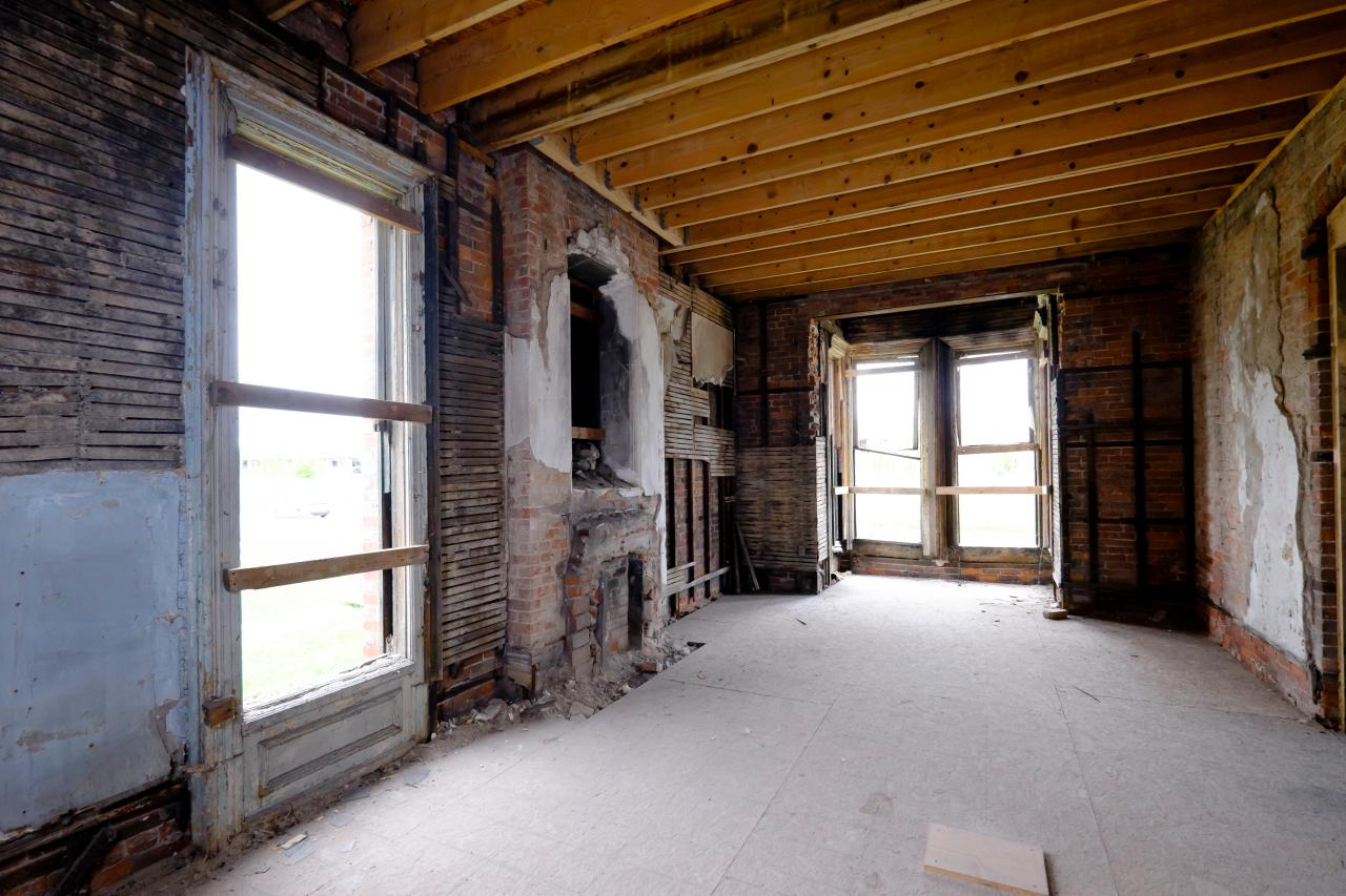 Inside before renovation