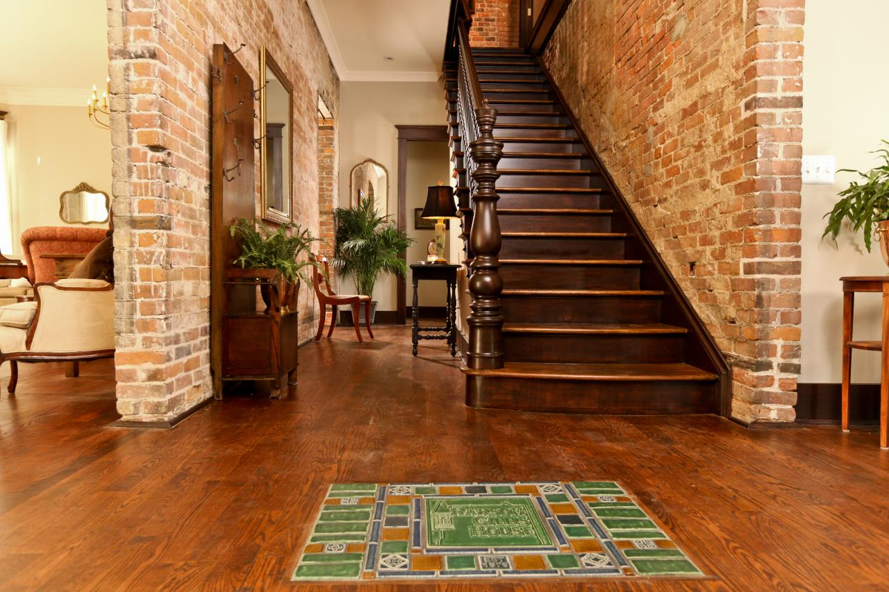 Inside after renovation. Notice the Pewabic tiles on the floor, a nod to the fact that the home's carriage house was the birthplace of the Pewabic pottery artform in 1903