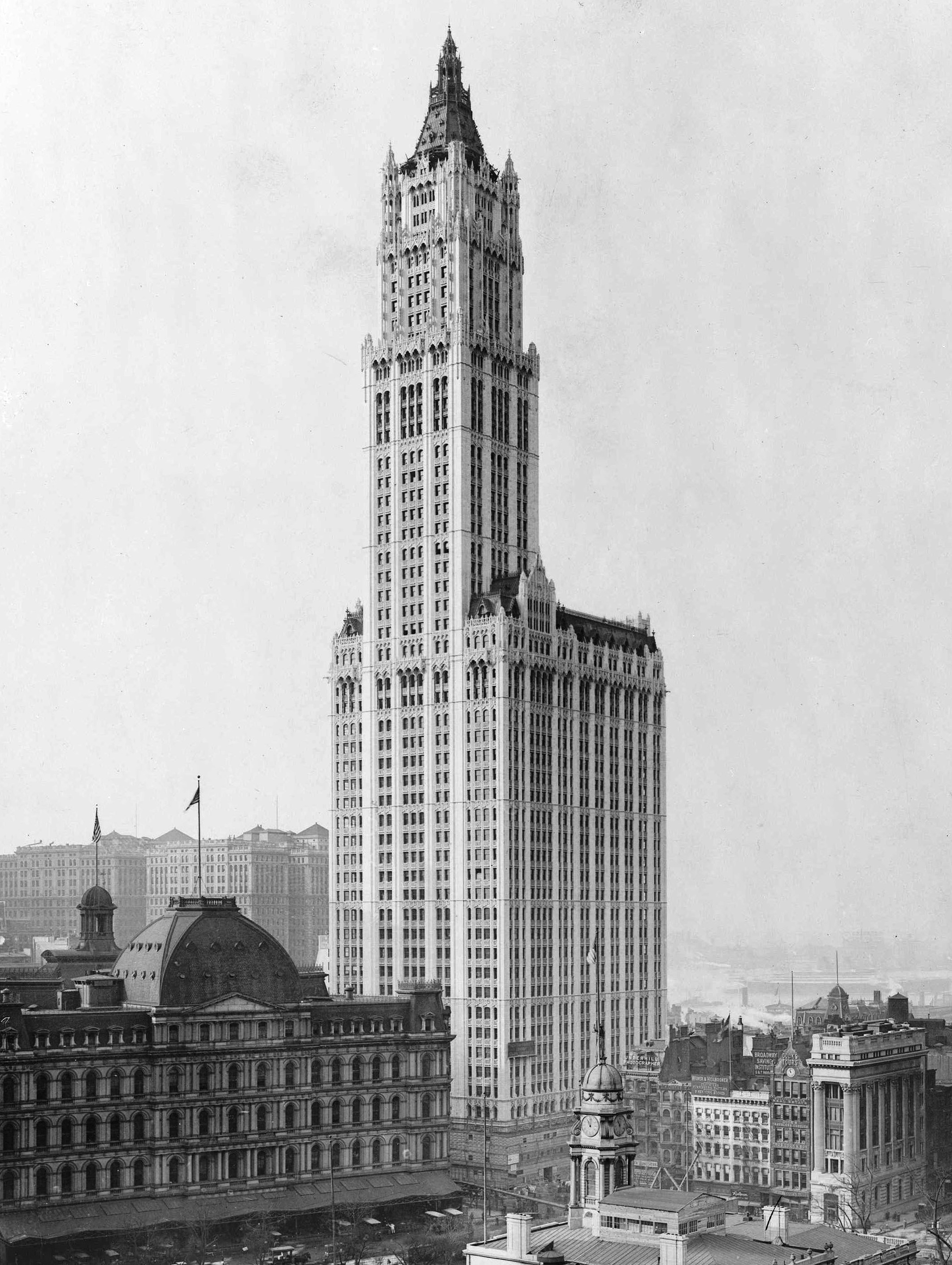 A view of the Woolworth Building in 1913.