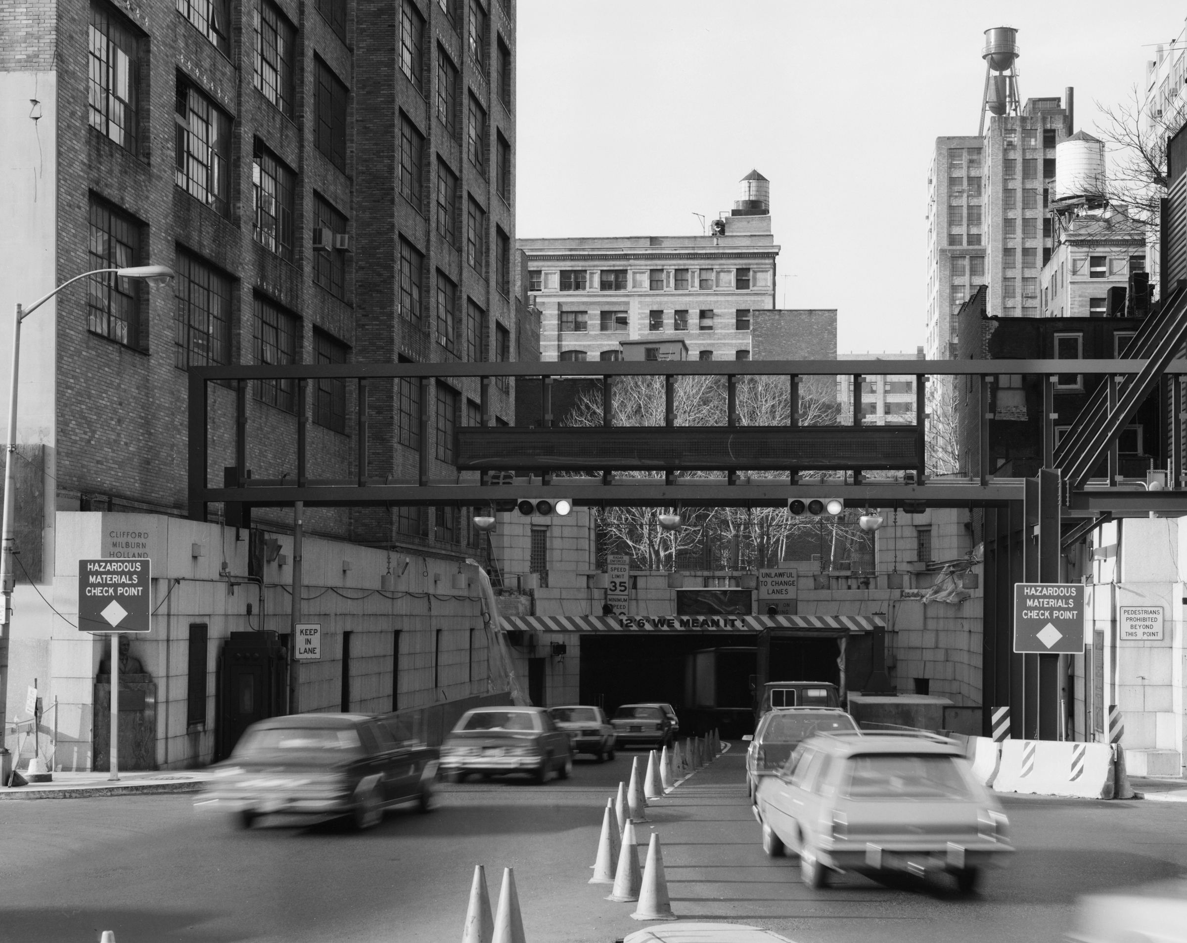 A view of the Manhattan tunnel entrance (1985).