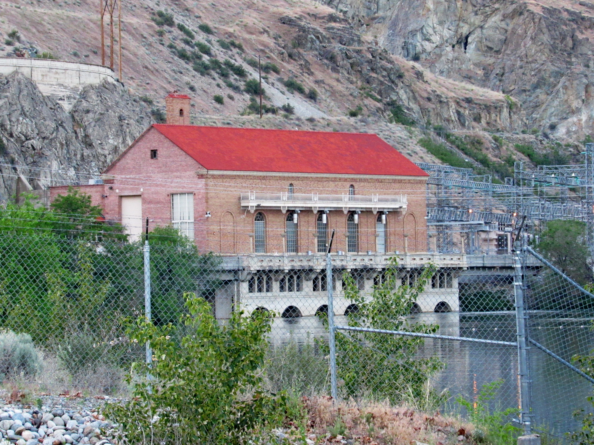 The powerhouse is located in Chelan Falls.
