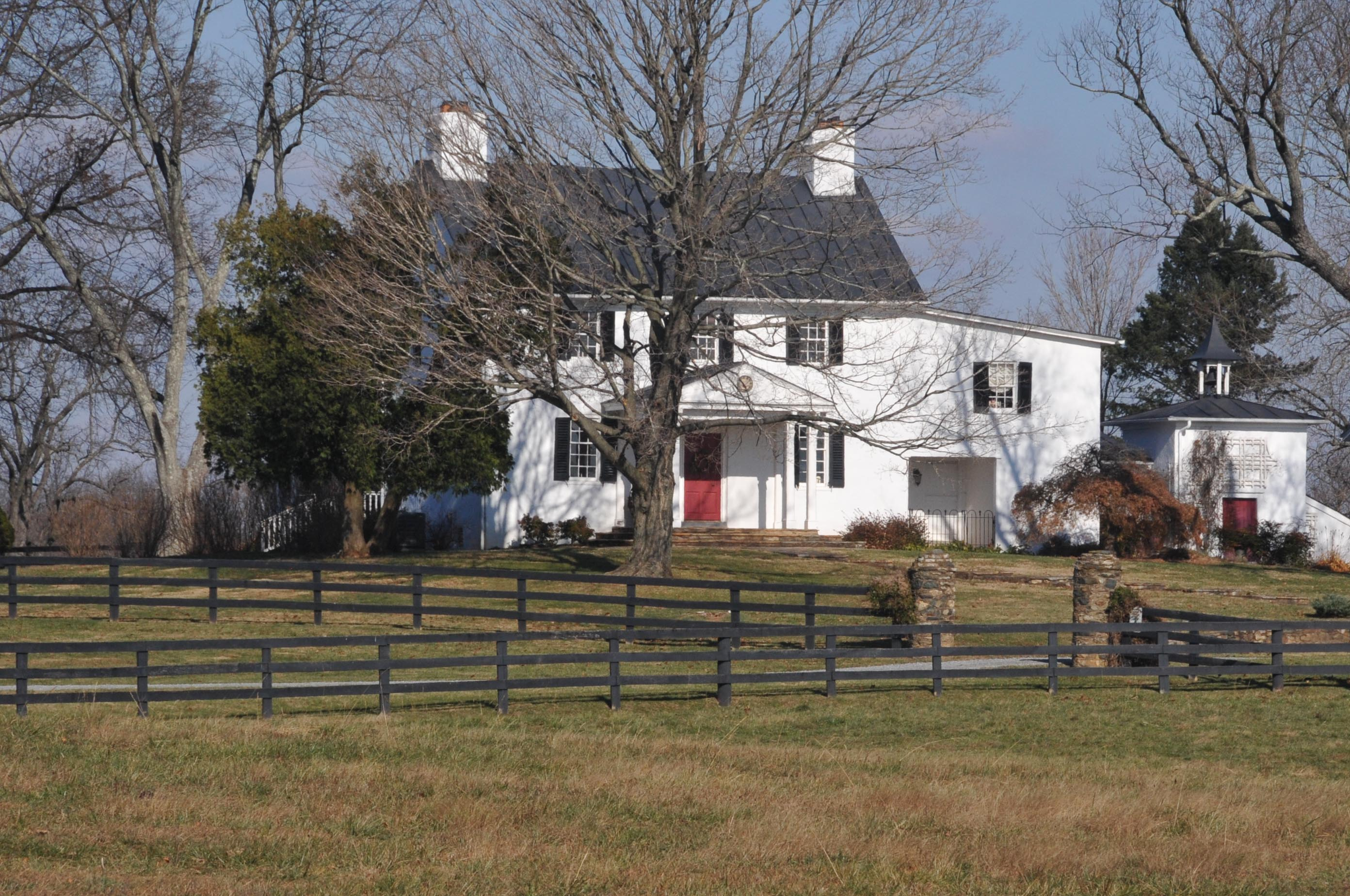 The farm house in 2007 ((By Jerrye & Roy Klotz, MD (Own work) [CC BY-SA 3.0 (http://creativecommons.org/licenses/by-sa/3.0)], via Wikimedia Commons))
