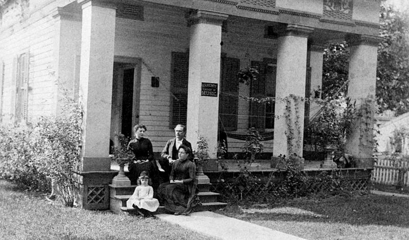 On far right, Pauline and Reuben Kempf with their young daughter Elsa. A friend and neighbor, Marie Durheim is the woman on the left.