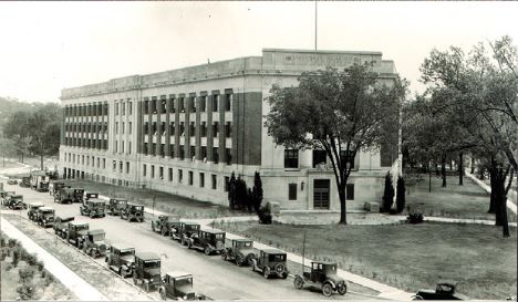 The Alexander Grant Ruthven Museums Building shortly after completion in 1928
