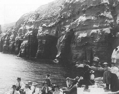 La Jolla Caves in ca. 1905 (www.sandiegohistory.org)