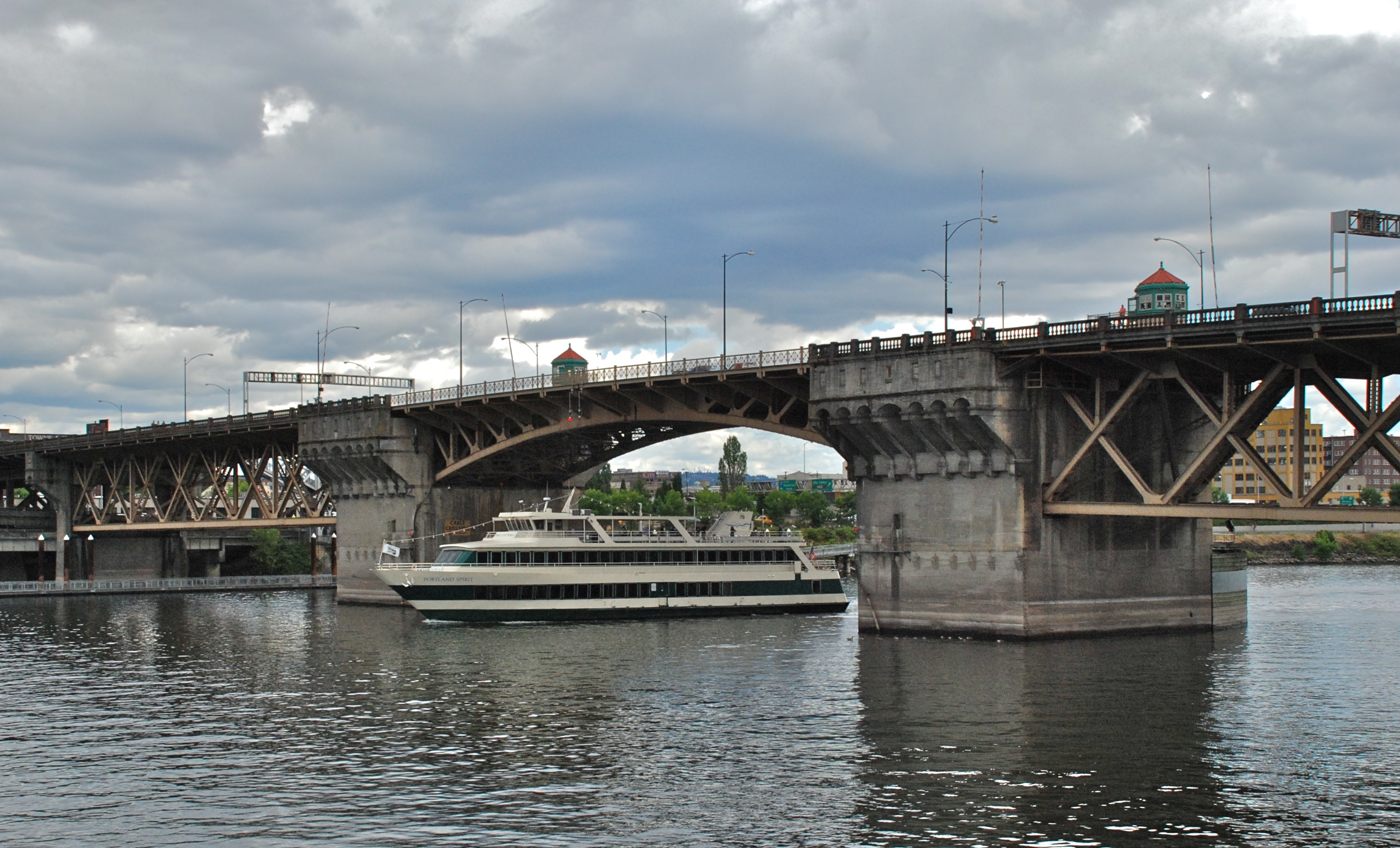 Burnside Bridge today (wikimedia commons)