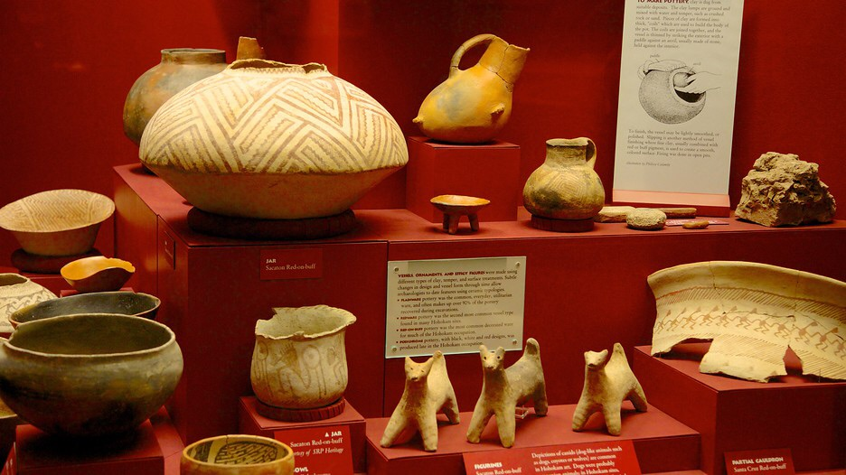 Hohokam pottery/artifacts in the museum.