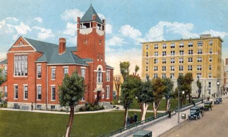 The 1893 courthouse, sometime during the early 1900s. Image obtained from jeff560.tripod.com.