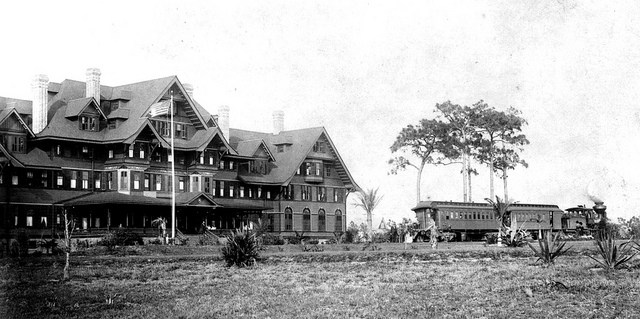 "The hotel not long after its completion in 1897. The ""Pinellas Special"" can be seen parked outside"