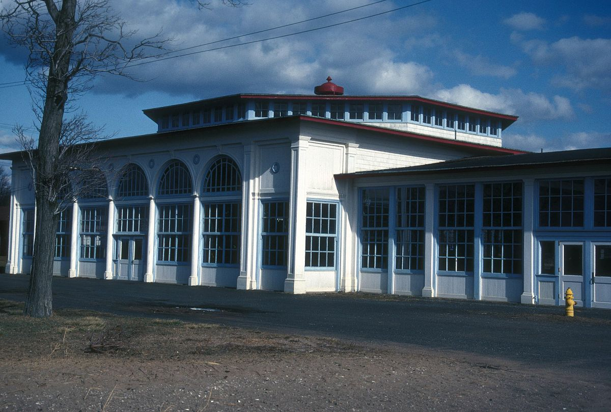 Exterior of the Lighthouse Point Carousel building