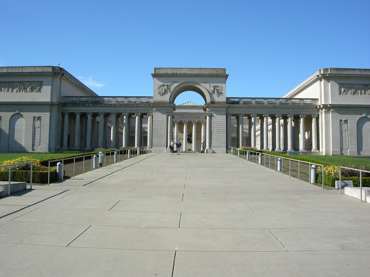 The Legion of Honor museum entrance.